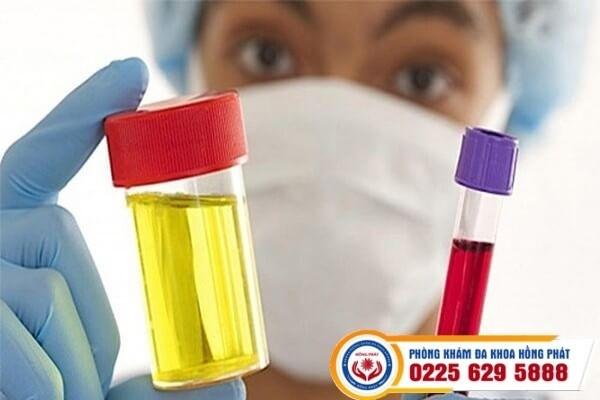 Tiểu ra máu có nguy hiểm không?